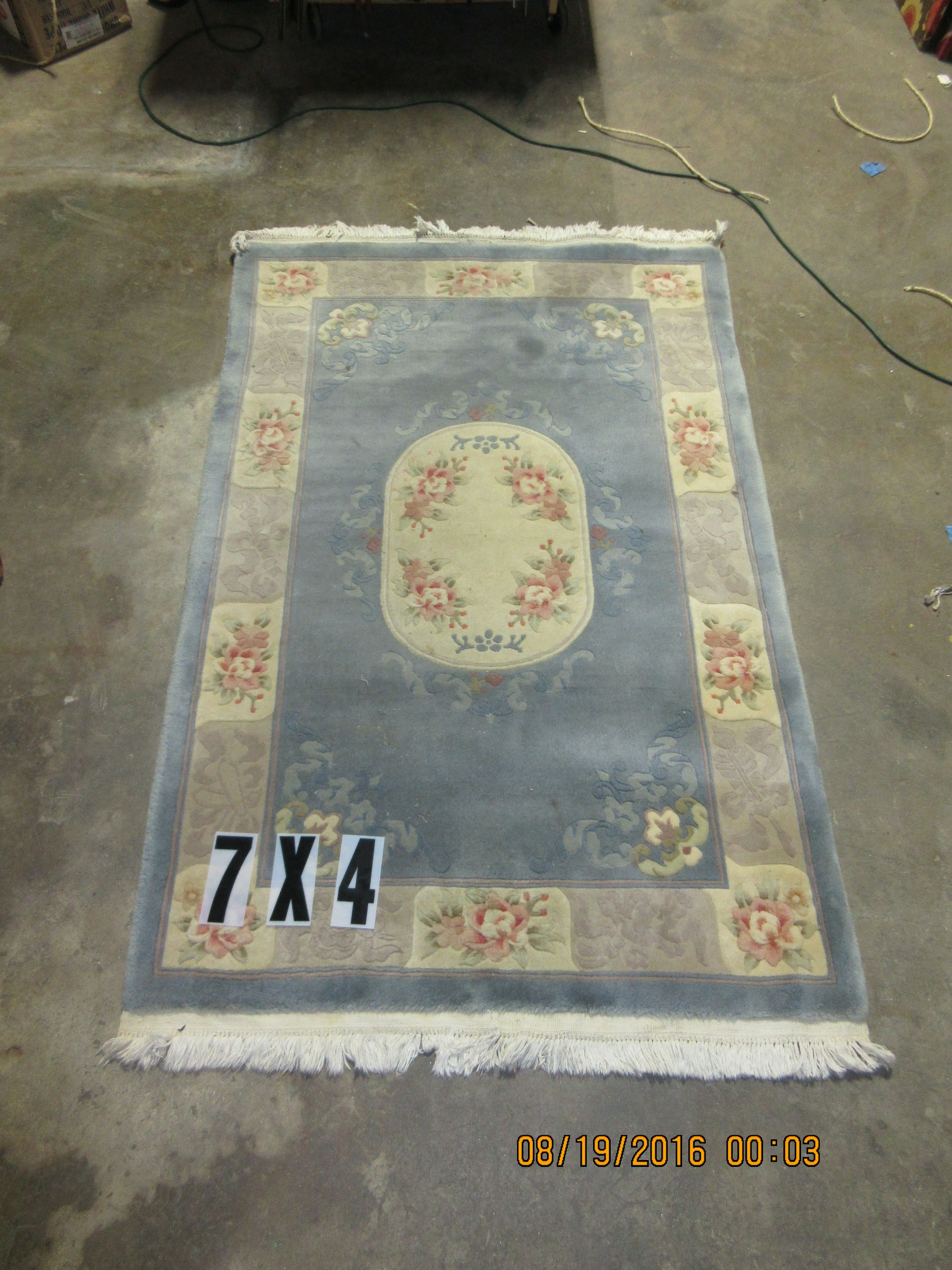 Picture of: 4 X7 Floral Area Rug Blue And Cream With Pink And Green Accents White Fringe Ga Prop Source